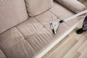 This image has an empty alt attribute; its file name is sofa-clean.jpg